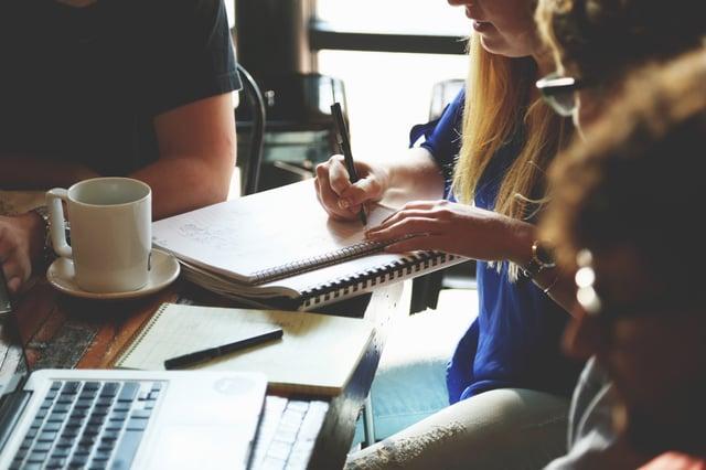 3 options pour constituer une équipe de rédaction de contenus performante_CezameConseil-1.jpg